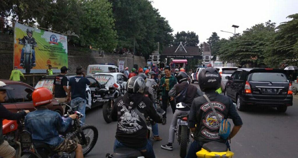 MMC Outsider's Chapter Purwakarta Ikut Memeriahkan Milenial Road Safety Festival by Satryo