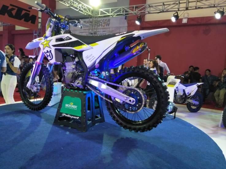 Husqvarna Sajikan Motor Terbaru layaknya Sang Juara by Nandar NDR