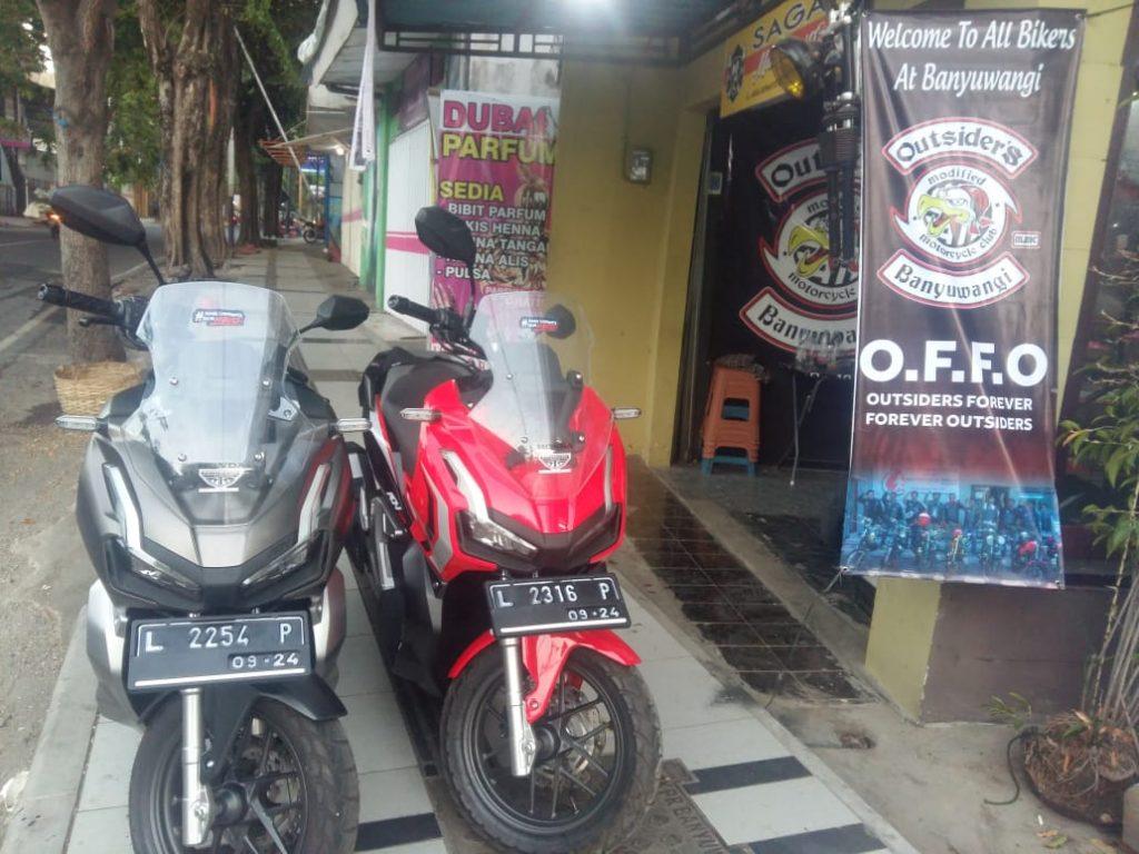 Bikers Produktif Kebanggaan MMC Outsiders Motorcycle Club Lima Puluh Unit Motor Custom Di Bikin SAGAH Garage Selama 4 Tahun By Yankee