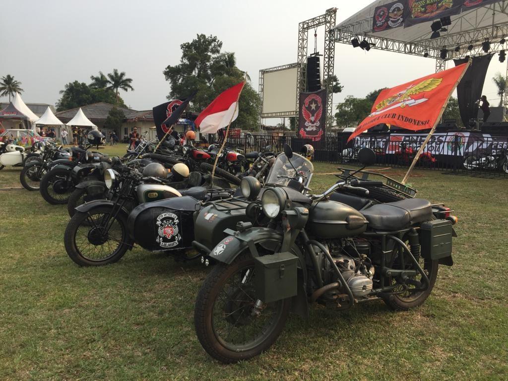 JAMBORE MOTOR ANTIQUE CLUB INDONESIA ke-26 TELAGA GOLF SAWANGAN DEPOK- LEBARAN MOTORNYA PARA RIDERS ITEM By Isfandiari MD