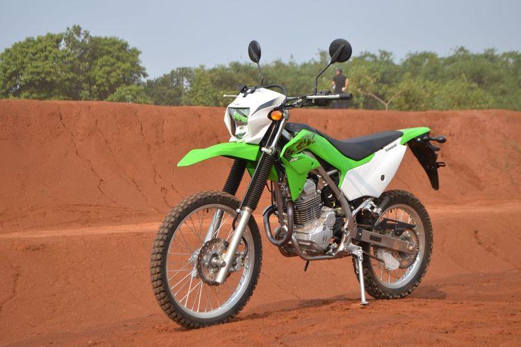 Kawasaki KLX230R motor ciamik buat off-road dan dirtbike- PERFORMA ESTETIK SANG SCRAMBLERS SEJATI by Lutfi Hermansyah