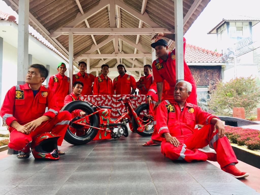 Journey Nusakambangan Part 2 SUKET TEKI…ALANG ALANG YANG BERHARGA By Isfandiari MD