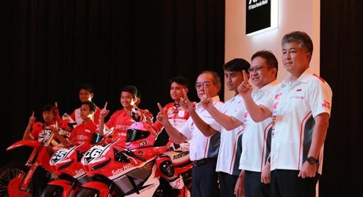 Para Pebalap Astra Honda Siap Harumkan Nama Indonesia. By Satryo