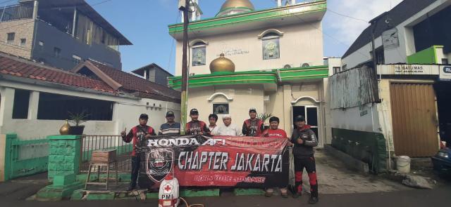 Honda ADV Indonesia Chapter Jakarta Bantu Penyemprotan Disinfektan By Andy Qiting
