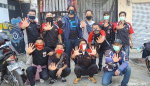 SSFC Depok Ajak TNI-POLRI Dalam Kegiatan Berbagi Handsanitizer dan Masker  by Andy Qiting