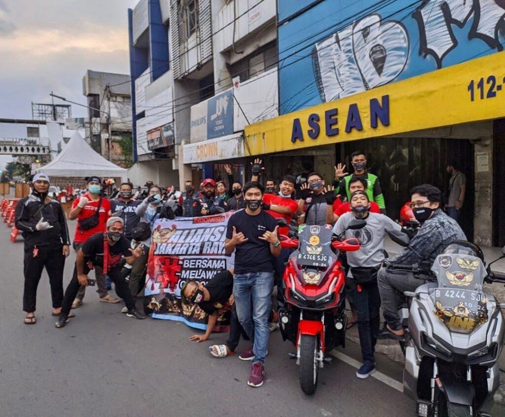 Honda ADV Indonesia aliansi Jakarta Raya, Tangerang Selatan dan Banten bergotong royong melawan Covid-19 by Andy Qiting