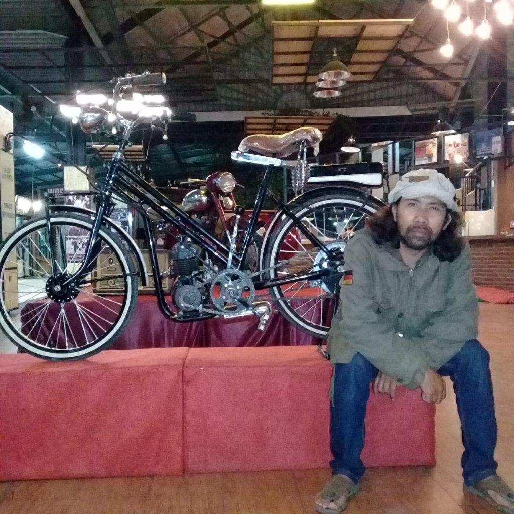 Barudak Roundtank Bandung – JAJAKA KOTA TEMPOE DOELOE by Isfandiari MD