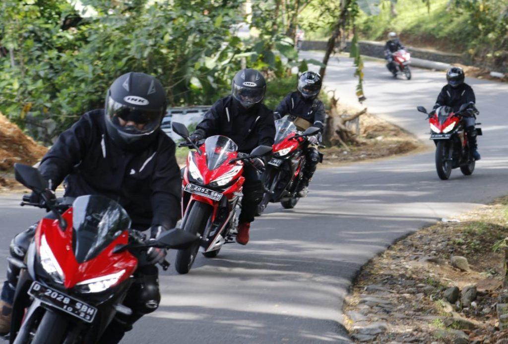 Etika Melakukan Touring Sepeda Motor